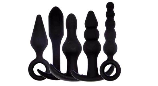 Estimulación anal suave y rápida con bolas anales de acero inoxidable y cuerda